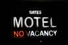 bates motel - no vacancy (andrea celine) Tags: uk madame england london sign museum canon united kingdom motel psycho alfred bates hitchcock tussauds 2013 canoneos1000d