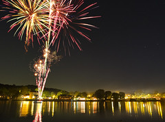 Fuegos Artificiales (jbarral) Tags: new night reflections river long exposure fuji shot fireworks jersey delaware lambertville x10
