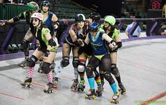 Sugar Skulls vs. Rolling Blackouts (Eric Von Flickr) Tags: seattle girls comcast women track skaters arena roller derby skates everett banked