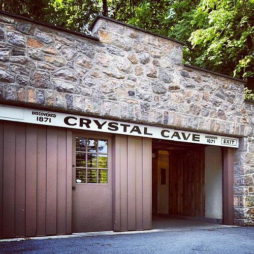 Heading down into Crystal Cave! #lehighvalley #crystalcave #kutztown #iglehighvalley #pennsylvania #cave #spelunking #follow #travel