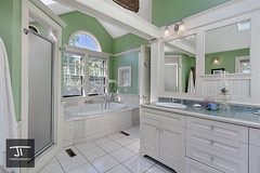 Master bathroom (Jeremiah True) Tags: canon ma realestate massachusetts 1022mm newburyport mussells giottos coldwellbanker canon7d jeremiahtruephotography indurophq3
