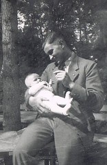 The proud Father (TrueVintage) Tags: family bw baby man cute vintage daddy 1930s sweet father familie 1940s oldphoto papa mann foundphoto sss vater vintagephoto vaterliebe vintageman