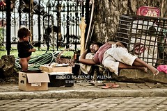 """A PRICELESS HAPPINESS"" (Reyne Villena) Tags: life philippines streetphotography photojournalism simplicity cebu humaninterest simplelife cebusugbo teampilipinas photokalye"