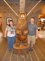 Andy and Laurie Bear carving (laurie74carl) Tags: bear travel cruise alaksa