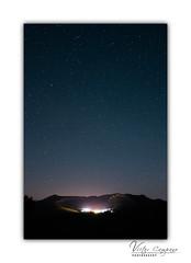 El universo sobre Extremadura (Vctor C.M.) Tags: sky night stars luces noche spain europe time pueblo galaxy estrellas nocturna milkyway extremadura orellana