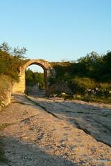 Бахчисарай, средневековый город-крепость Чуфут-Кале, ворота Орта-Капу