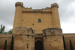 Castillo de Sajazarra (twiga_swala) Tags: castle architecture spain arquitectura fort palace medieval spanish fortress espagne rioja château castillo velasco palacio larioja sajazarra señorial