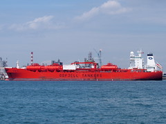 Bow Sky (tord75) Tags: sea water port singapore ship harbour 2013 therealsingapore
