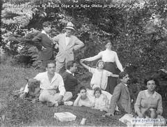 Romualdo Prati con la moglie Olga e la figlia Ofelia in gita a Parigi 1906