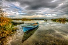 Golmarmara, Manisa (Nejdet Duzen) Tags: trip travel reflection turkey boat cloudy trkiye sandal gl yansma turkei seyahat manisa bulutlu glmarmara golmarmaralake
