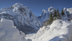 Sella Dolomites 2 (bingleyman2) Tags: snow day pwwinter vision:outdoor=099 vision:sky=0687 vision:mountain=0829