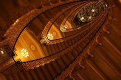 Bristol staircase up we go (LetsLetsLets) Tags: genova italia março 2017 hotelbristol escadas scale oval staircase architecture arquitectura archittetura elegante