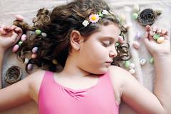 Felices pascuas!Happy easter! (Veronka&cia) Tags: niña pascua huevos flores