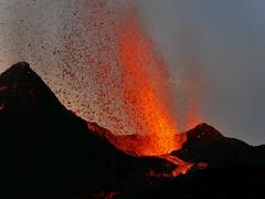 v12 (loïcabadie) Tags: eruption pitondelafournaise laréunion réunion volcan lave