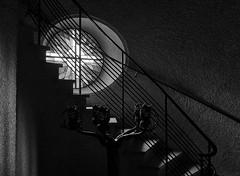 Parocchia (Arx Zyanos) Tags: sublimemasterpiece sony a6500 ilce6500 zeiss batis zeissbatis zeissbatis225 batis225 zeissbatis2520 window windows round church churches kirche südtirol southtyrol lana parocchia schwarzweis blackandwhite bw monochrom shadow shadows stair stairs skancheli light city old
