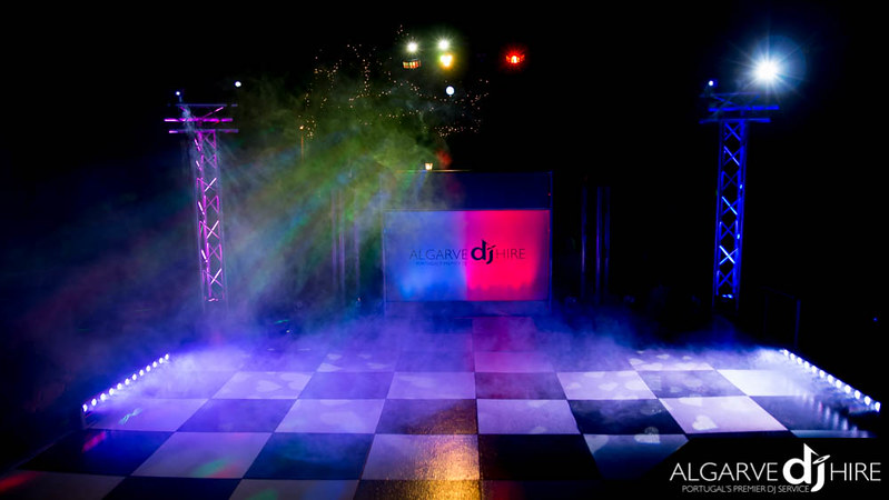 Standard package with low lying fog machine