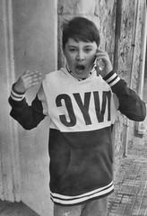 Movil (ureña) Tags: peopol boy blackwhite portrait reportaje fim voigtlanderbessa rpx 400m iso