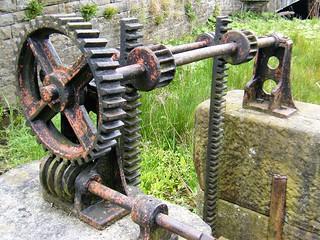 Skipton, West Yorkshire - sluice gate mechanism