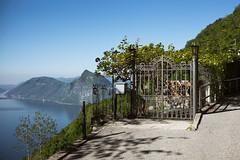 il cancello @ Gandrigna . Ticino (Toni_V) Tags: m2403951 rangefinder digitalrangefinder messsucher leica leicam mp typ240 type240 35lux 35mmf14asph 35mmf14asphfle summiluxm hiking wanderung escursione randonnée lagodilugano luganersee tor gate gandrigna tessin ticino switzerland schweiz suisse svizzera svizra europe cancello ©toniv 2017 170422 montesansalvatore gandriabrè