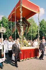 Via Crucis 2017 (sirio174 (anche su Lomography)) Tags: viacrucis crocifisso processione rito venerdìsanto como italia italy vescovo bishop zorki1 zorki russar20 grandangolo