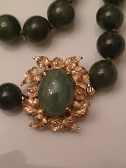 Ruby Lane    Vintage Spinach Jade Pearl Necklace with Gold Repousse Clasp (WhereVintageIsKing) Tags: vintage antique antiques artisan vintageclothing antiquefurniture vintagejewelry vintagefashion antiquejewelry rubylane