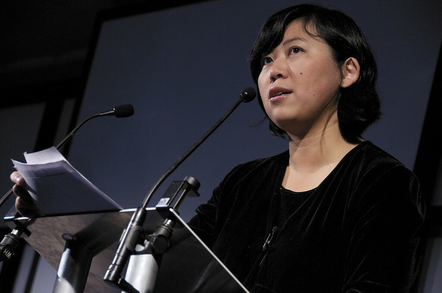 Yiyun Li on stage reading