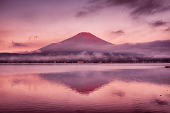 RED FUJI (Yuga Kurita) Tags: morning red lake japan sunrise landscape dawn fuji fujisan 富士山 風景 mtfuji refection fujiyama yamanakako 赤富士 逆さ富士