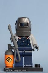 Lego 71002 Minifigures Series 11-10 Welder (KatanaZ) Tags: grandma lego scarecrow minifigs yeti scientist gingerbreadman constable barbarian welder saxophoneplayer mountainclimber minifigures dinerwaitress islandwarrior ladyrobot holidayelf pretzelgirl evilmech lego71002 minifiguresseries11