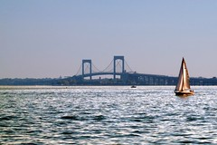 Throgs Neck Bridge, from the Bronx (Eddie C3) Tags: newyorkcity bronx longislandsound cityisland throgsneckbridge johnnysreef