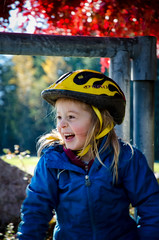 Laughing (r3m00r3) Tags: fall mary 85mm riding squamish 1685mmf3556 150secatf56 nikond7000
