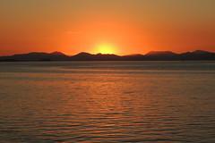 Sunrise at Guanabara Bay. Rio de Janeiro, Brazil (Rubem Jr) Tags: sun sol praia beach riodejaneiro sunrise bay ilhadogovernador amanhecer baiadaguanabara