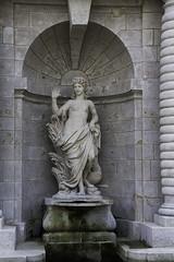 France - Chantilly - V3 (saigneurdeguerre) Tags: sculpture france statue canon eos europa europe frana ponte frankrijk statua chantilly picardie aponte oise 1000d antonioponte ponteantonio