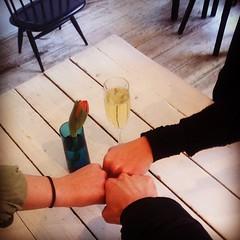 Happy Valentines Day! Tarjotaan ystäville tänään Sushibar + Wineissä Cavaa!  #skumppaa #sushibarwine
