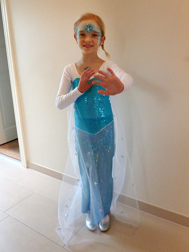 Frozen Elsa Dress Pattern Elsa from frozen � diy