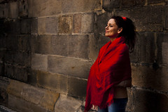 inconnue (wolf in paris ) Tags: street woman rouge calle mujer rojo strada arte prague femme praha praga sing singer czechrepublic rua rue powerful dona cantante checa callejero cantar republicacheca