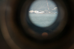 through telescope (kasa51) Tags: telescope binoculars superlinerogasawara edajimaisland jmsdfkurehistorymuseum てつのくじら館 伊400 潜水艦搭載用22倍双眼鏡 japan kure hiroshima