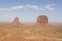 IMG_5082 (Cris_Pliego) Tags: sunset monumentvalley usadesert horse desert warmcolor bluesky