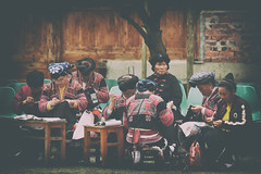 The Gathering Place (Anna Kwa) Tags: 瑤族 yaoethnicgroup 长发族 longhairtribe 红瑶族 黄洛瑶寨 huangluovillage longjiriceterraces 龙脊梯田 dragonbackbonesriceterrace guilin guangxi china annakwa nikon d750 afsnikkor70200mmf28gedvrii my always sewing needleworks life stitch gathering women thoughts seeing heart soul throughmylens travel world