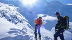 Zjazd od schroniska Rif. F. Chabod 2750m. Piotr. (Tomasz Bobrowski) Tags: góry valsavarenche narty alpy graianalps riffchabod2750m mountains skitury skitouring alps ski alpygraickie skitura