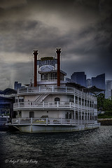Stewårds Riverboat (Askjell) Tags: maritime riverboat singapore southpier stewardsriverboat vessel marina