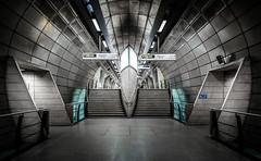 southwark tube station (Joris Vanbillemont) Tags: underground tube metro subway ubahn station architecture