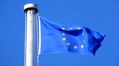 blue on blue (byronv2) Tags: colour blue yellow flag euflag europeanunion europeanunionflag stars circle flagpole citychambers sky bluesky edinburgh edimbourg scotland politics oldtown royalmile
