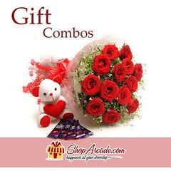 17458161_786568161498581_2877987942590475377_n (amtakhan256) Tags: combos | flowers chocolates bear stufftoys