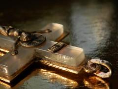 INRI (elena m.d.) Tags: cruz inri macro gold