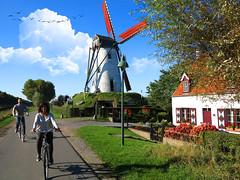Windmill at Damme (AlbertSole33) Tags: damme brujas brugge windmill molino