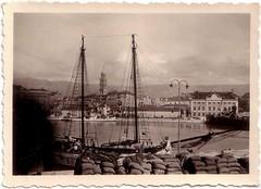 Split, 1937. Húsvét (Ferencdiak) Tags: 1937 easter port sail sailboat sea water sack town panorama vitorlás hajó zsák tenger húsvét spalato dalmatia ff bw
