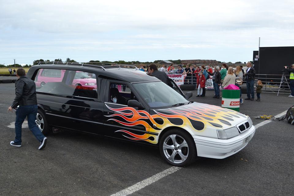6 wheel escort van