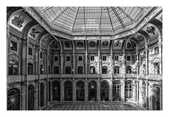 PALACIO DE LA BOLSA  ( Oporto-Portugal ) (RAMUBA) Tags: palacio palace bolsa oporto porto portugal bw claraboya skylight reloj clock