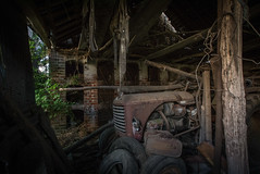 DSC_4315 (Foto-Runner) Tags: urvbex lost decay abandonné épaves car voitures ferme