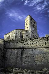 Muralla y catedral (ibzsierra) Tags: muralla ewall catedral chatedral iglesia chirch cielo azul blue sky nube cloud ibiza eivissa baleares canon 7d 24105isusm historia